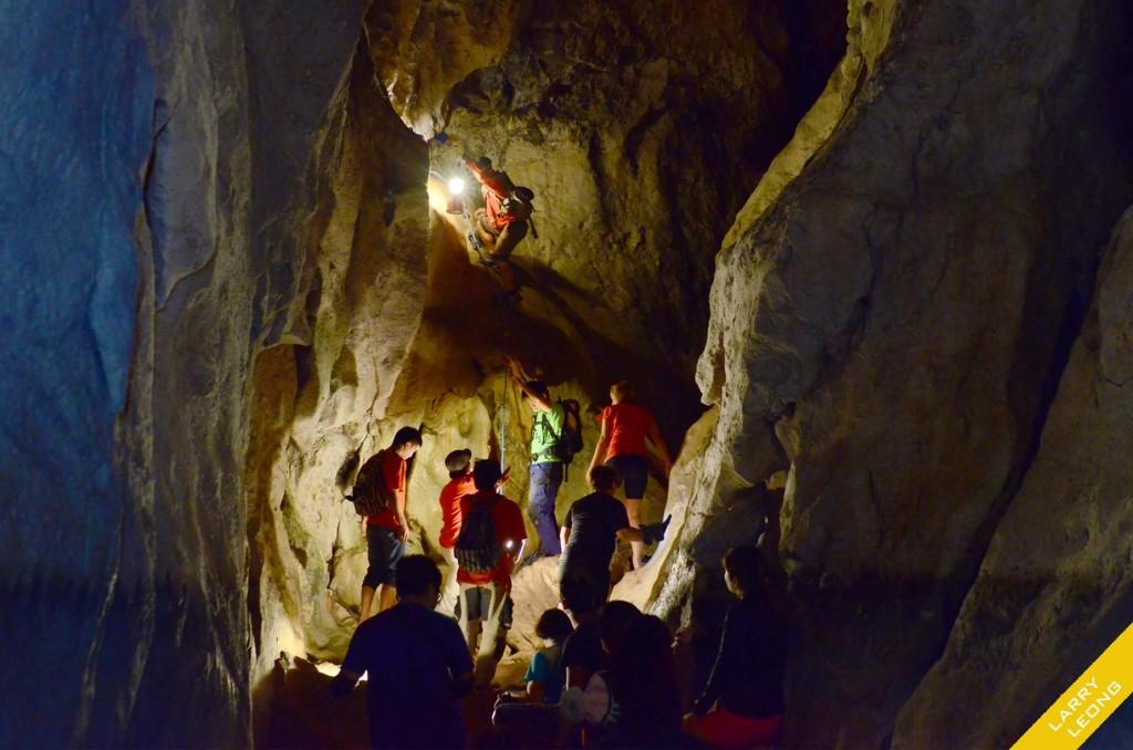 sagada-cave
