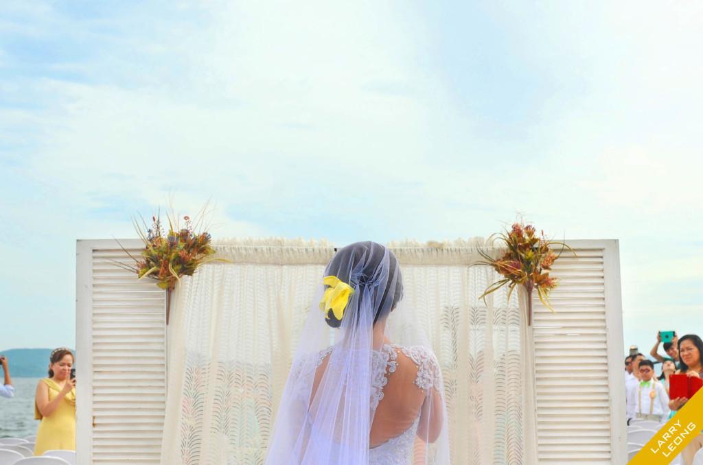 bridal-walk-aisle