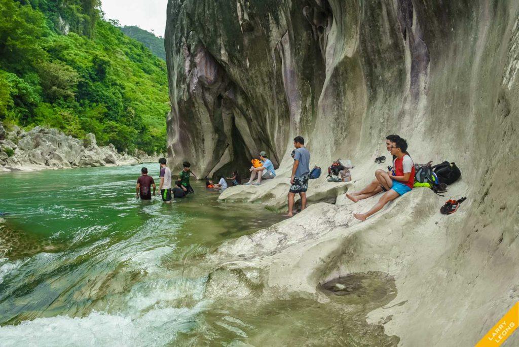 travel river manila