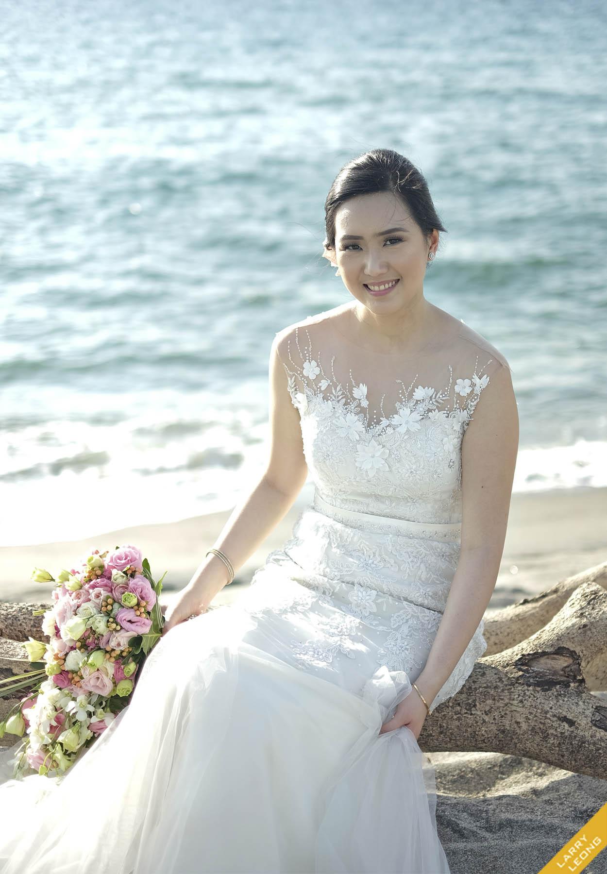 Terence & Jeraldine\'s Beach Wedding | Larry Leong