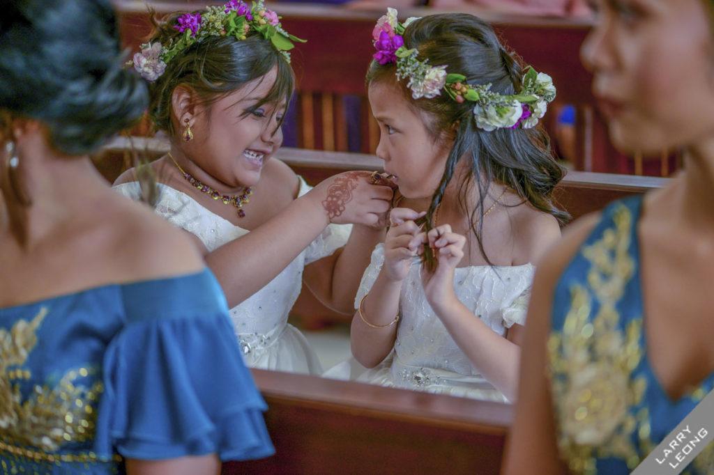 marriage church flowergirls